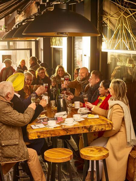 In Sint-Truiden weten ze hoe ze een feestje moeten bouwen! #stadscommunicatie / zonnige beelden op een grijze dag. #idearté