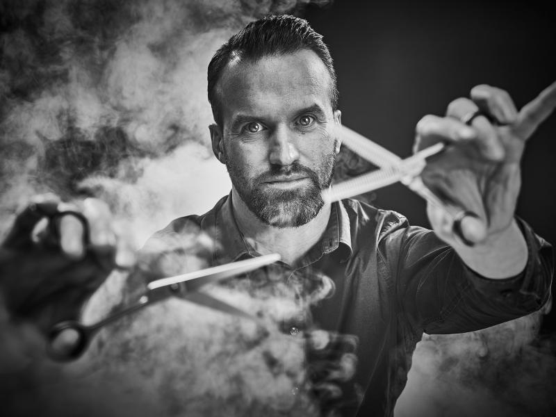 Johan Cleuren / Manskwaffeur / Profiel reclamebureau /